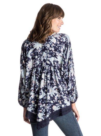 Life Pursuit Printed Kimono Top - RoxyLife Pursuit Printed Женский топ-кимоно от ROXY. <br>ХАРАКТЕРИСТИКИ: тканое полотно с принтом, отделка кроше по краю. <br>СОСТАВ: 100% вискоза.<br>